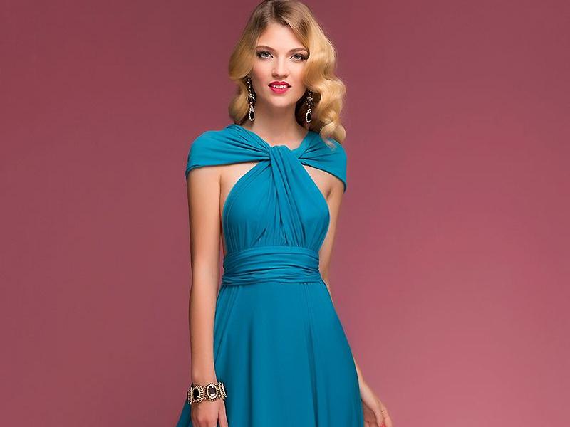 2147d7e35c71 Для этого стилисты рекомендуют приобрести необычную одежду – платье-трансформер.  Это совершенно незаменимая вещь в поездке, на отдыхе и повседневной жизни.