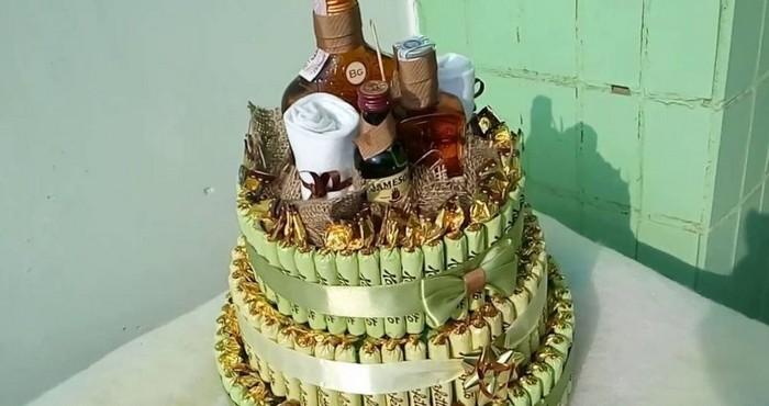 tort-iz-konfet-03 Торты из конфет и чая. Как сделать праздничный торт из конфет