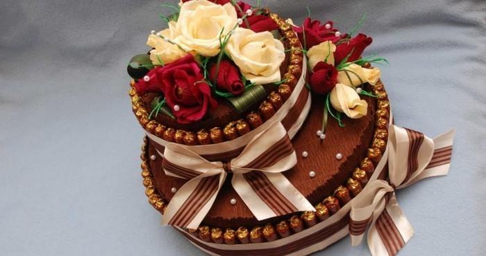 tort-iz-konfet-04 Торты из конфет и чая. Как сделать праздничный торт из конфет