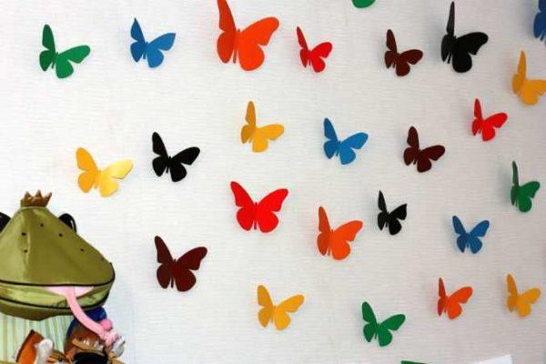 babochki-dla-dekora-10-600x400 Шаблоны цветов для вырезания из бумаги разных размеров. Бабочки из бумаги своими руками и трафареты для вырезания