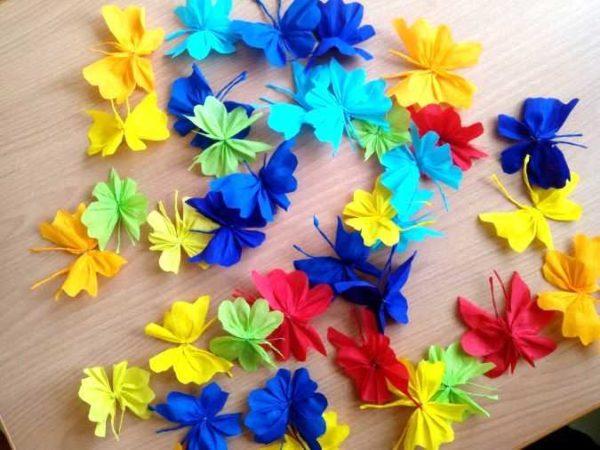 babochki-dla-dekora-11-600x450 Шаблоны цветов для вырезания из бумаги разных размеров. Бабочки из бумаги своими руками и трафареты для вырезания