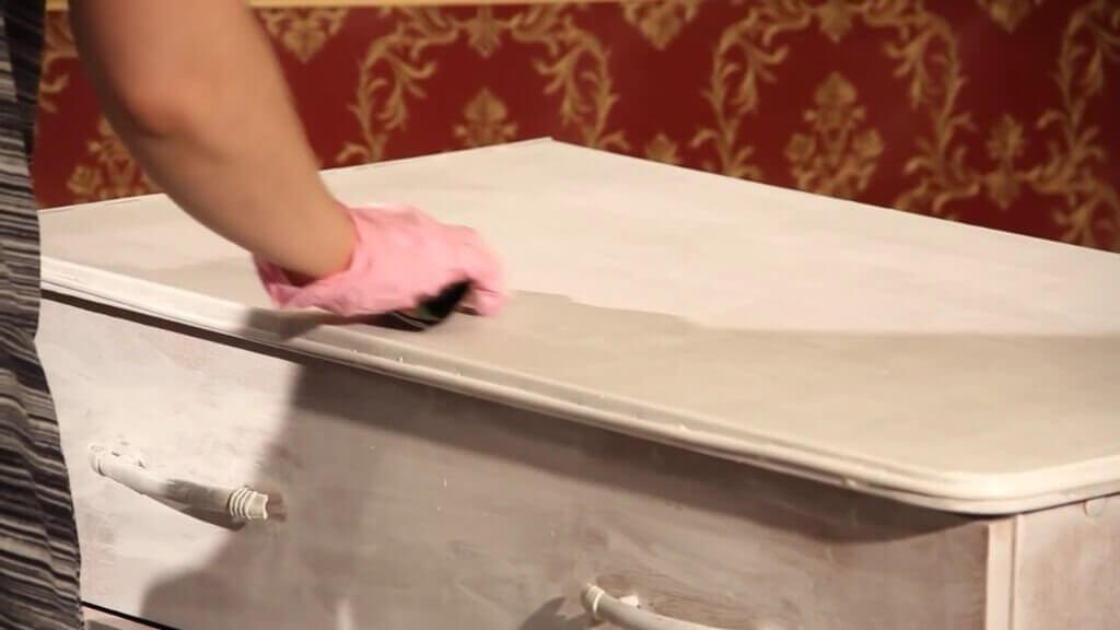 dekupazh-komoda-27-1024x576 Мастер класс декупаж комода. Как в домашних условиях декорировать комод своими руками в технике декупаж