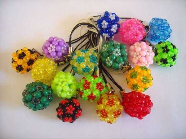 shariki-iz-bisera-shemy-dlya-nachinayucshih_0 Из бисера шар. Как сплести шарик из бисера: схема на трех, четырех и пяти бисеринах