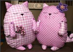 sshit-kota-igrushku-svoimi-rukami_111 Как сшить мягкую игрушку кошку. Шьём мягкую игрушку своими руками: выкройки кошек и советы